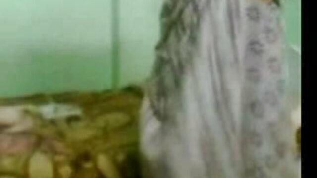 તોફાની છોકરી ફુલ સેકસી વીડીયા tights સાથે fucks એક મોટો લોડો પછી કરવામાં આવી રહી છે