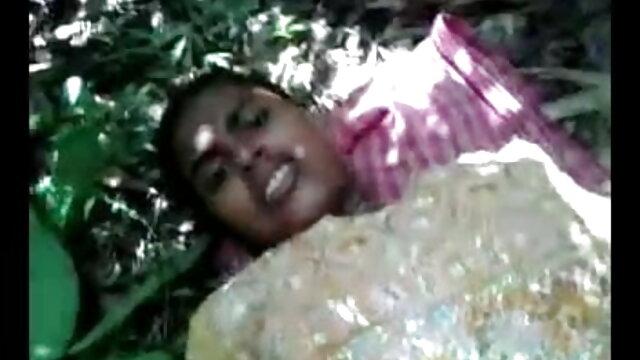 એક યુવાન સ્ત્રી માટે સંમત થયા છે સેક્સ સાથે એક બાલ્ડ સજ્જન યાર્ડ ગુજરાતી સેકસી ફુલ વીડીયો પર પાણી