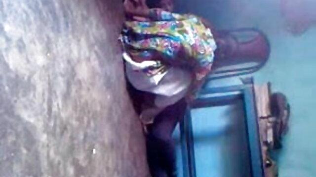 સુંદર છોકરી સફેદ ઘૂંટણ સાથે જૂના સેકસી વીડીયો ગુજરાતી ઓપન માણસ